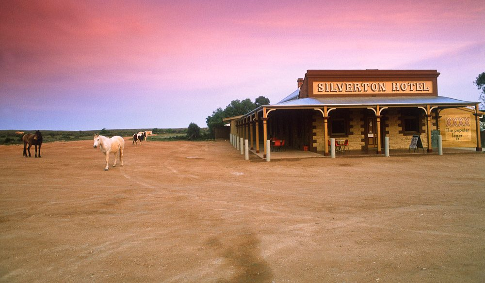 100 Things To Do Before You Die #022 Stay At A Great Aussie Pub