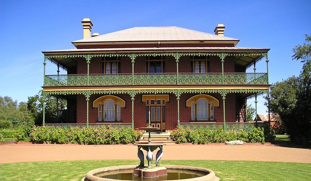 Stay the night in Australia's most haunted house - Monte Cristo Homestead