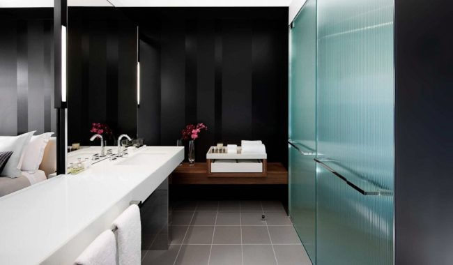 Bathroom - Luxe Room - Crown Metropol