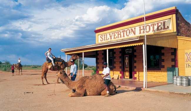 Silverton Hotel. Image by Tourism NSW