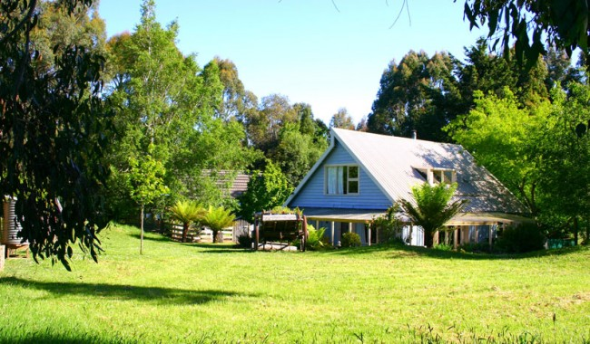 Hide-away Cottage acts as a great stepping-stone or relaxing pit-stop before hitting the rat race again, for two of Australia's great wilderness areas: Cradle Mountain and the Tarkine.