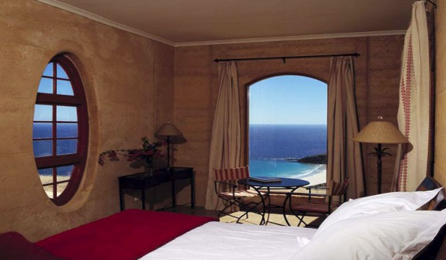 One of three luxury villas within a private estate on Kangaroo Island, The Sky House is our pick as the perfect base from which to explore the island's diverse landscapes.