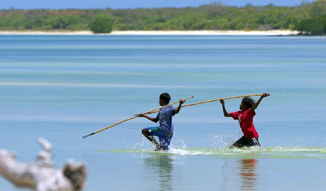 Spear fishing on the northeastern tip of Arnhem Land with Bawaka Cultural Experiences.