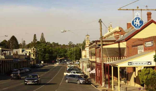 035.Affordable-Beechworth-streetscape