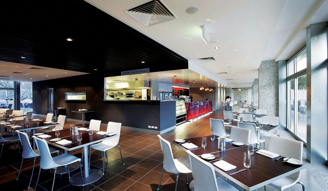 Hotel Review -- Medina Grand Perth. The bar and restaurant area.