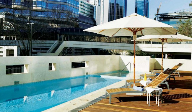 Hotel Review -- Medina Grand Perth. The Pool