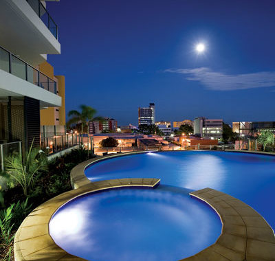 The pool at Mantra Pandanus Darwin